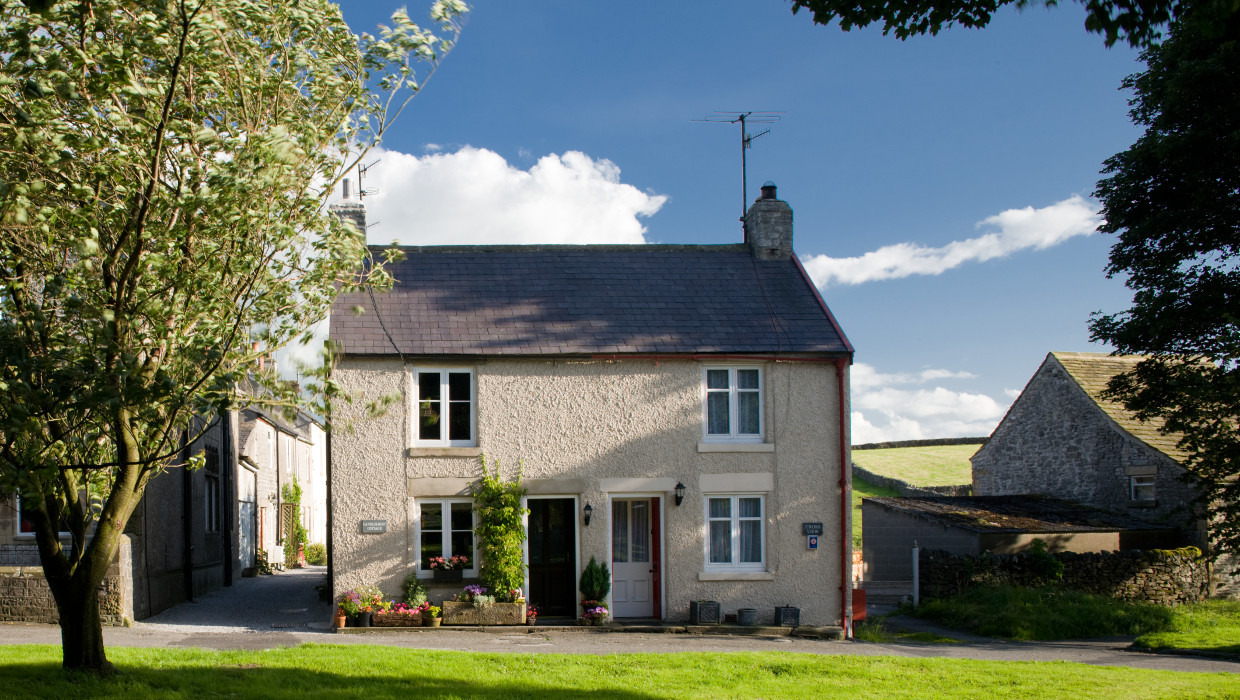 """An exceptionally well equipped, clean and comfortable cottage in an idyllic location"""