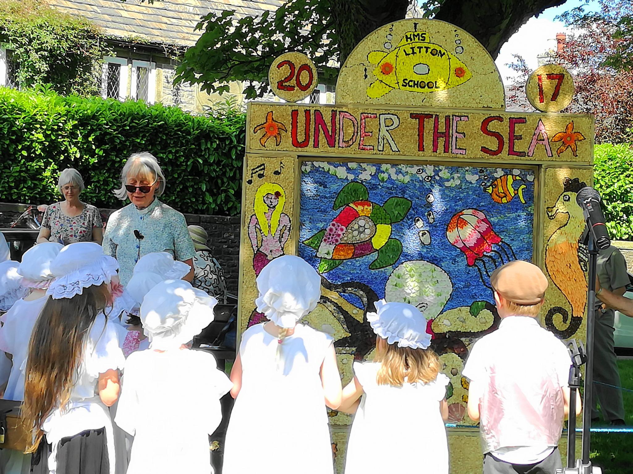 2017 Blessing the children's well dressing
